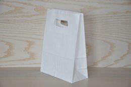 Pungi albe de hârtie cu mâner decupat